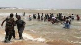 """صورة الهند: مظاهرة بالقوارب ضد امداد محطة """"كودانكولام"""" للطاقة النووية بالوقود"""
