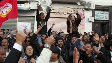 صورة مئات الاسلاميين يتظاهرون ضد الفساد في تونس