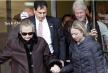صورة هيلاري كلينتون تغادر المستشفى بعد علاج من جلطة دموية