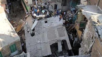 صورة مسؤول: مقتل خمسة واصابة 8 في انهيار مبنى سكني بمدينة الاسكندرية بمصر