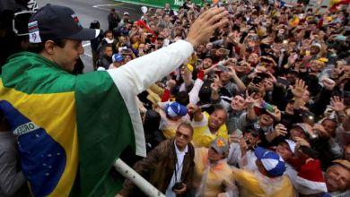 صورة بالدموع وخيبة الأمل.. البرازيلي ماسا يودع جماهير بلاده
