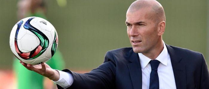 ميترو: أزمة بين زيدان وإدارة ريال مدريد بسبب أداء بوغبا أمام برشلونة