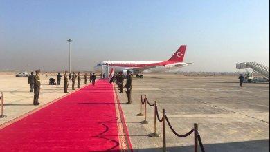 صورة رئيس الوزراء التركي يصل الى بغداد في زيارة رسمية