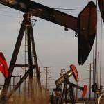 تراجع أسعار النفط بعد قرار ترامب بزيادة انتاج السعودية