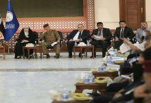 صورة قيادة عمليات بغداد واهالي الكرادة يناقشون مقترحات فتح المنطقة بالكامل