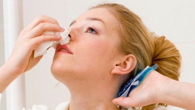 صورة سيدة تكتشف نمو سن داخل أنفها !