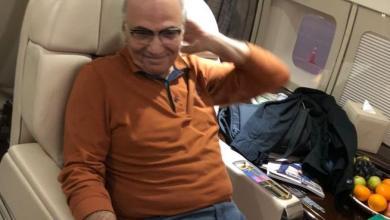 صورة بعد ترحيله من الإمارات ، رئيس وزراء مصر الاسبق يصل إلى القاهرة