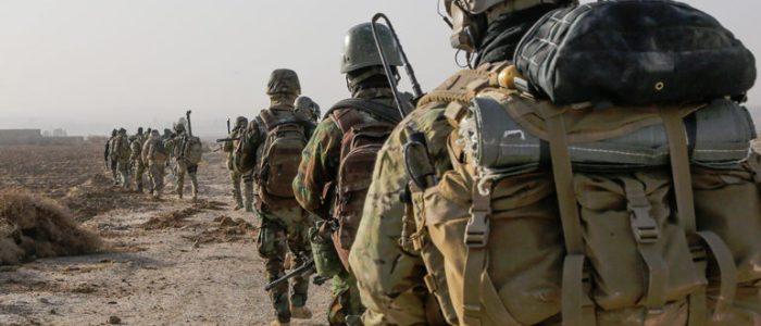 امريكا تشكل قوة عسكرية من 30 الف مقاتل على حدود العراق وتركيا