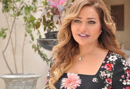 ليلى علوي تنشر صور لها تلفت الانظار بخسارة وزنها