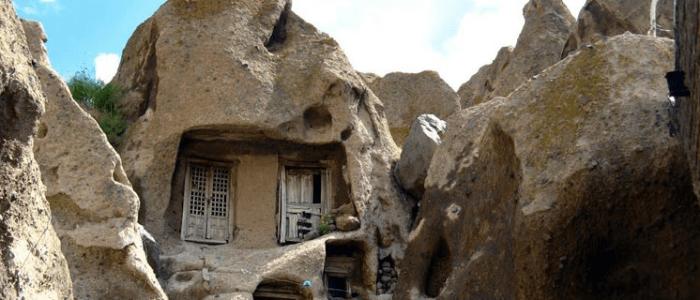 قرية كندوان الصخرية .. أعجوبة العمارة الصخرية التاريخية + صور