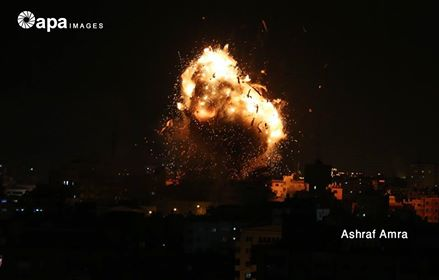 بعد تعرضها لقصف اسرائيلي.. نشطاء واعلاميون يعلنون تضامنهم مع قناة الاقصى
