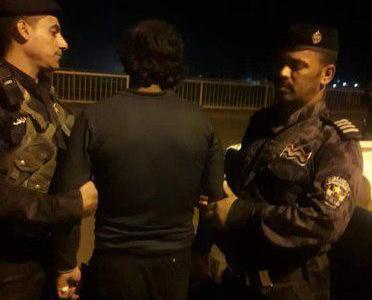 بعد مفاوضات الاهالي ..انقاذ شاب من الانتحار من اعلى جسر بمدينة الديوانية