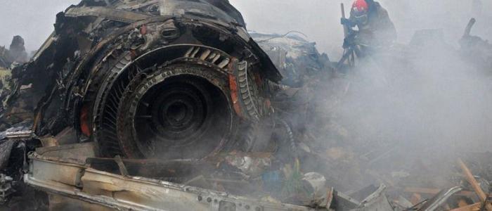 تحطم طائرة شحن في منطقة سكنية غرب طهران ومقتل جميع ركابها