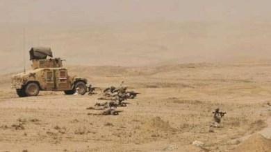 صورة داعش يعدم اثنين من ابناء الانبار ويخطف ثالثا