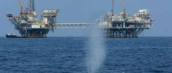 """النفط ينخفض """"وسط التوترات"""""""