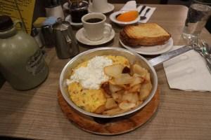 【シカゴのレストラン】Lou Mitchell's(朝食?)
