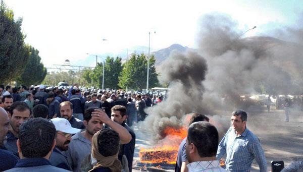 دومين روز اعتصاب کارگران آذرآب اراک