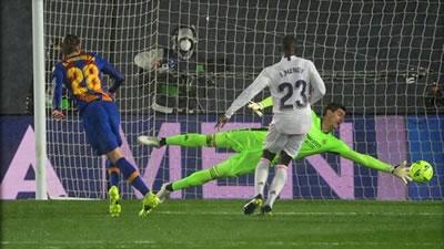 فرگوسن سهگانهای دیگر را برد؛ بایر مونیخ در مسیر ناکامی؛ بارسلونا رئال را پیروز کرد