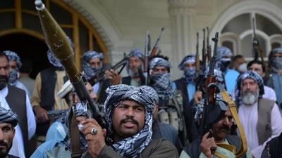 افغانستان؛ درمانده میان طاعونِ طالبان و وبایِ جنگ داخلی