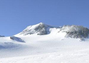 ما هي اعلى جبال في العالم تريندات
