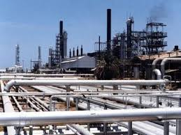 Photo of رئيس الوزراء السابق يكذب مزاعم منع تصدير النفط