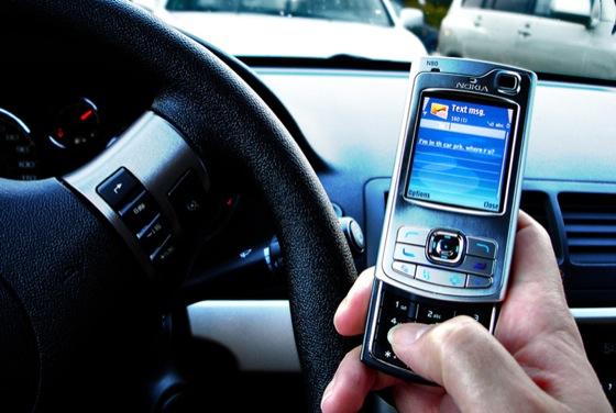 SMS sambil berkendara 2