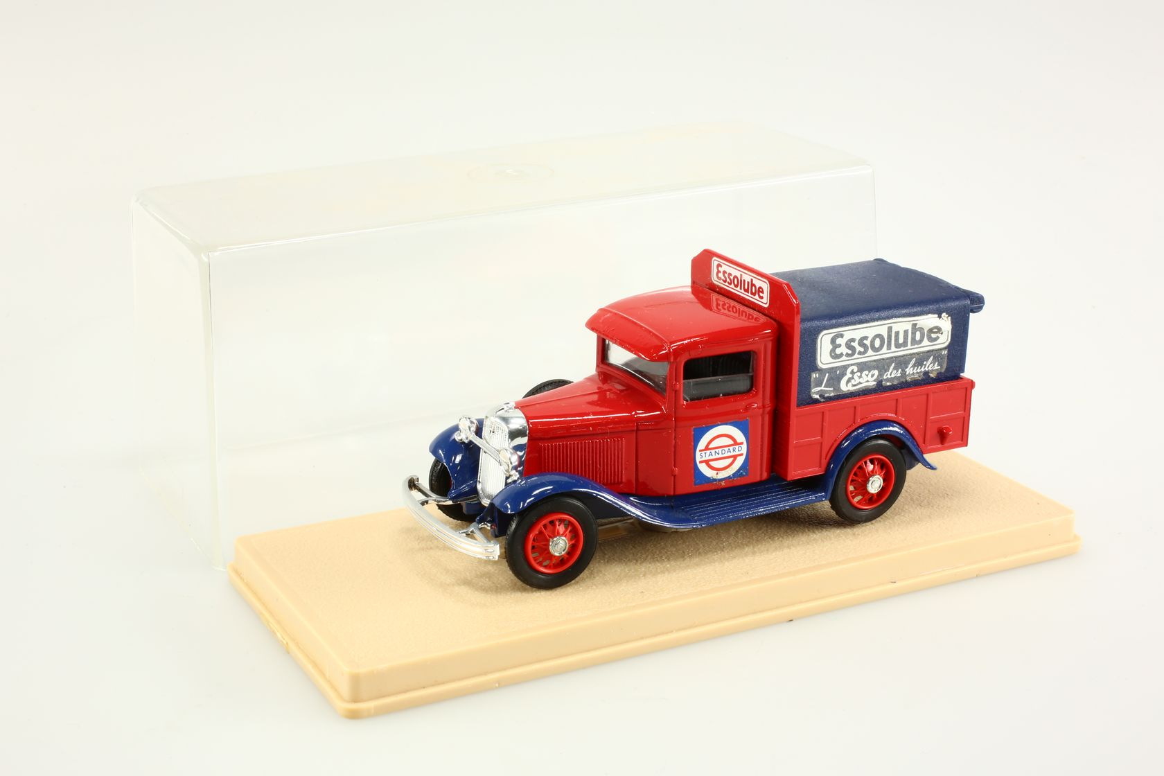 Ford V8 1934 pick-up Essolube 1/43