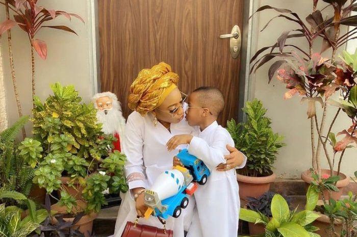 Checkout What Tonto Dikeh's Son Did To Her Picture (Watch Video)