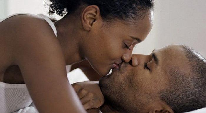 8 Diseases You Can Get From Kissing Revealed