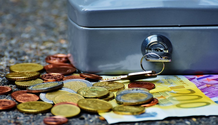 10 Easy Ways to Save Money for Your Life