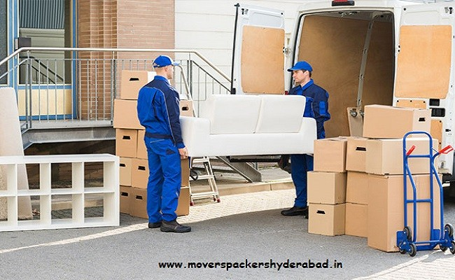 Using Packers and Movers for Relocation: Tips and Tricks