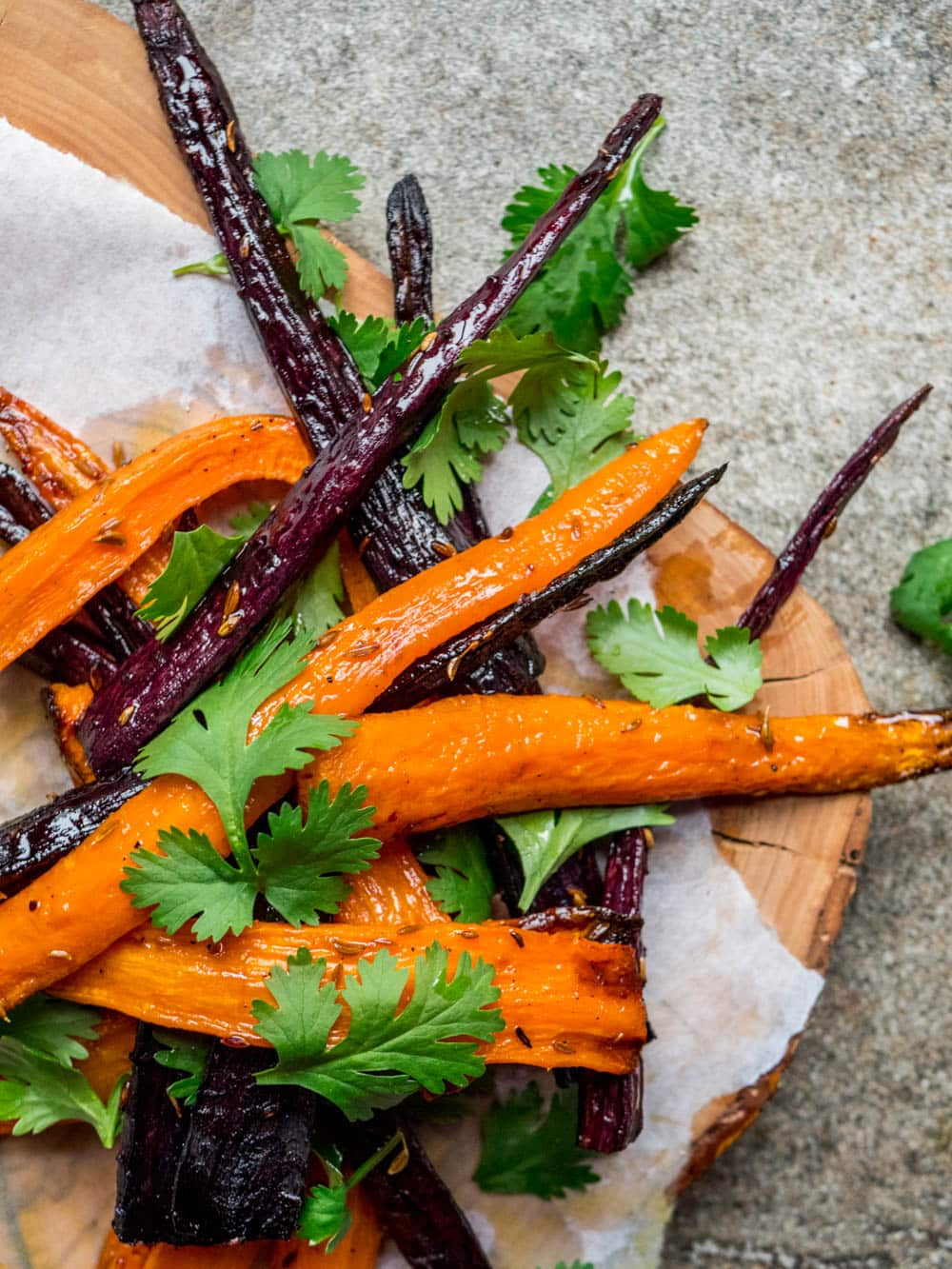Roast carrot salad with coriander - recipe / A kitchen in Istanbul