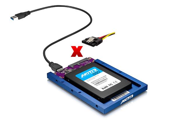 [冰極光 U3.1 支架] 我在使用 USB 時,可以同時插上 SATA 電源線嗎? | AKiTiO