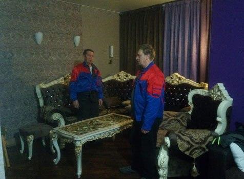 Перевозка мебели во время офисного переезда