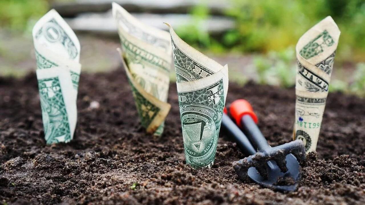 7 hlavných dôvodov, prečo investovať svoje peniaze