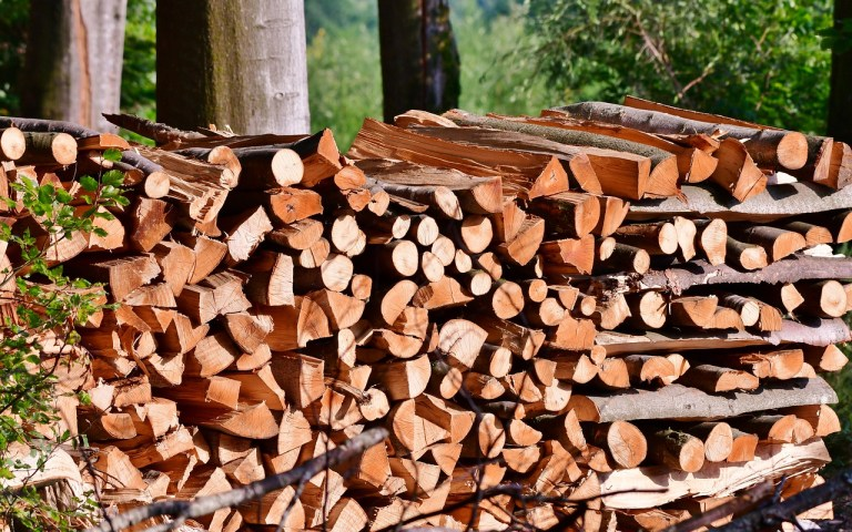 Comment empiler du bois de chauffage