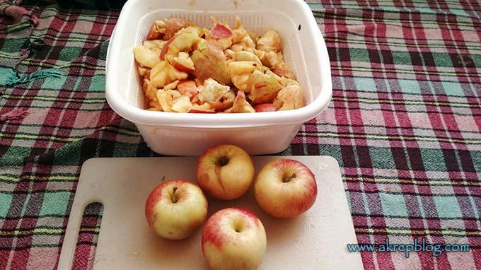 Elma sirkesi yapımı elmaların elle parçalanması
