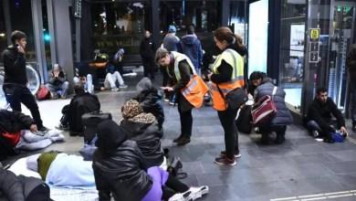 Photo of 63 شخصاً المتوسط اليومي لعدد طالبي اللجوء في السويد
