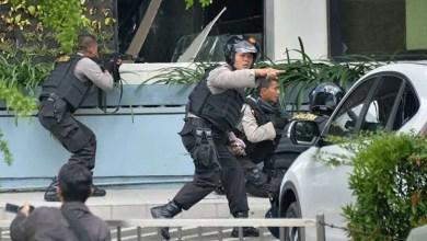 Photo of إندونيسيا : القبض على 317 من أصل 448 سجينًا فروا قبل أيام