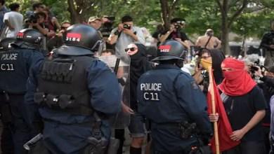 Photo of كندا : صدامات في كيبيك بين الشرطة و متظاهرين مؤيدين للاجئين