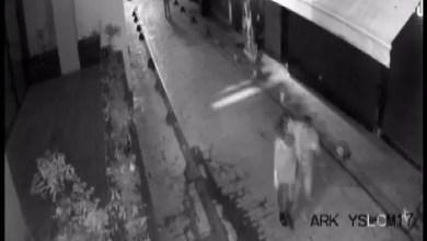 Photo of تركيا : الشرطة تلقي القبض على شاب طعن شابة و اغتصب صديقتها في واحد من أشهر أحياء اسطنبول ( فيديو )