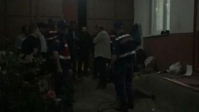 Photo of تركيا : أربعيني يقتل والده و زوجته و ابنيه ثم يسلم نفسه للشرطة ( فيديو )