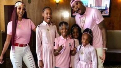 صورة أب أمريكي يقسو على أطفاله لكي يكسب المعجبين بقناته ! ( صور )