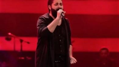 """صورة متسابق في برنامج """" ذا فويس """" النسخة التركية يغني """" تملي معاك """" ! ( فيديو )"""