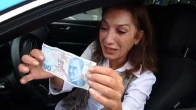 """صورة تركيا : انتشار واسع لمقطع """" سائقة التاكسي الباكية التي تعرضت للنصب على يد إيرانيتين """" .. هذه هي قصتها ! ( فيديو )"""