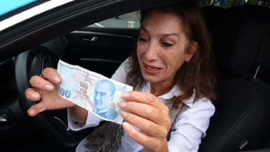 "Photo of تركيا : انتشار واسع لمقطع "" سائقة التاكسي الباكية التي تعرضت للنصب على يد إيرانيتين "" .. هذه هي قصتها ! ( فيديو )"
