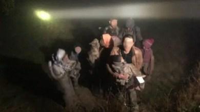 Photo of تركيا : إنقاذ سوريين بينهم أطفال من المـ. ـوت متجمدين من البرد ! ( فيديو )