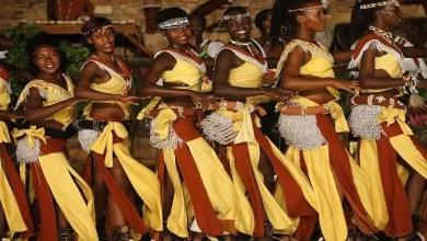 صورة دولة أفريقية تغري السياح بنسائها المثيرات !