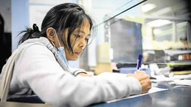 Photo of هونغ كونغ : جمع 93 ألف دولار لعاملة فلبينية تم فصلها من عملها