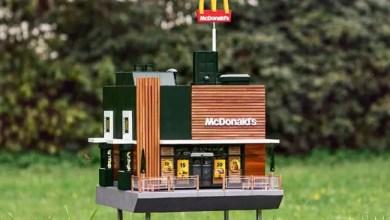 "Photo of السويد : افتتاح أصغر مطعم "" ماكدونالدز "" في العالم"